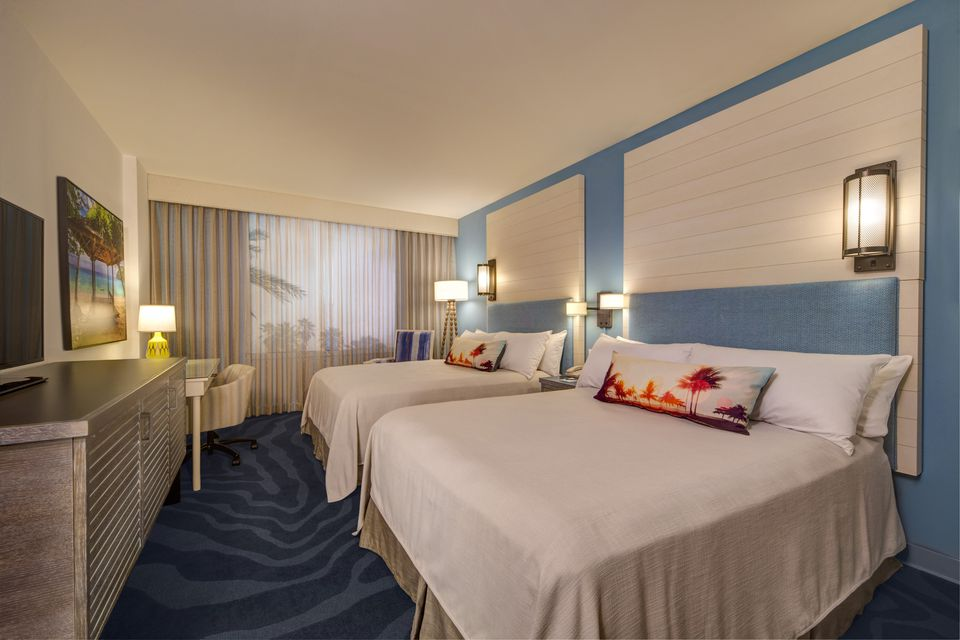 Guest room at Universal Orlando Sapphire Falls Resort