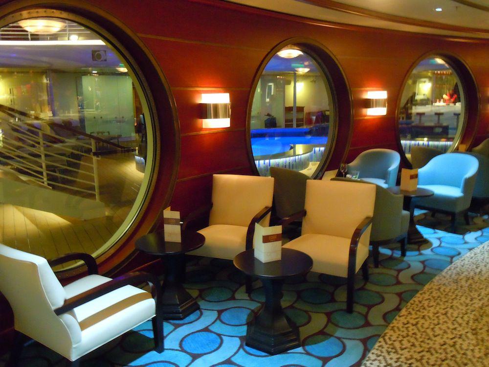 Cove cafe lounge on Disney magic