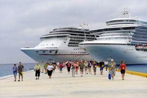 Passengers disembarking Caribbean cruise ship in Puerta Maya and Cozumel, Mexico