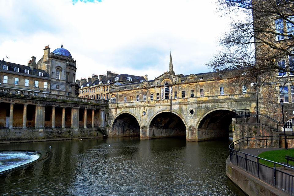 travel from london to bath by train bus and car