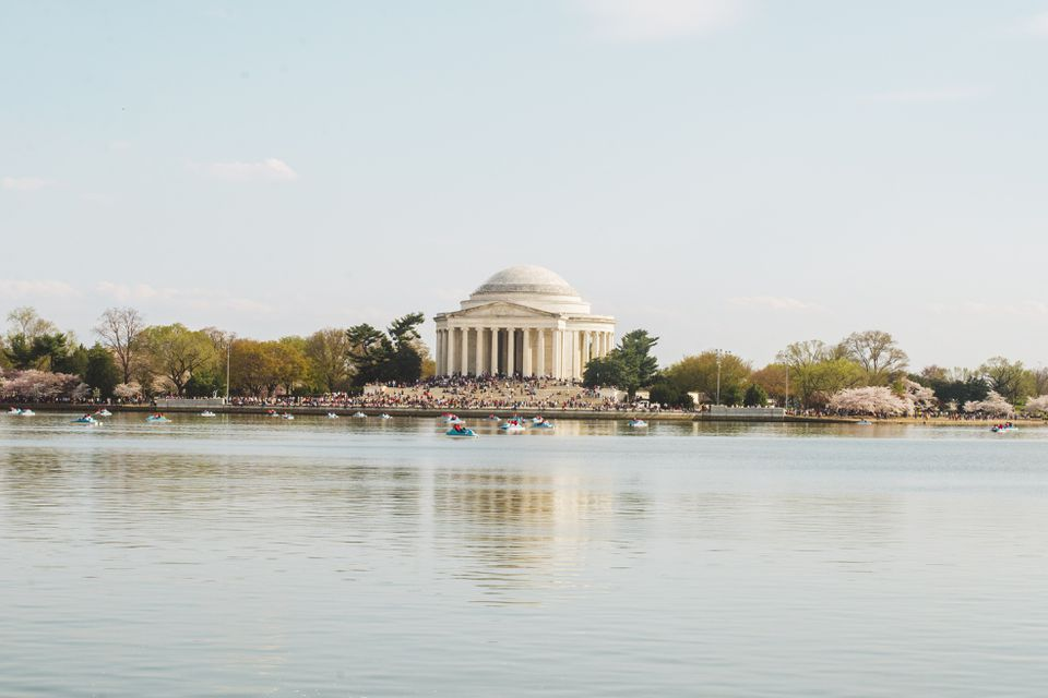 Jefferson memorial from across the water