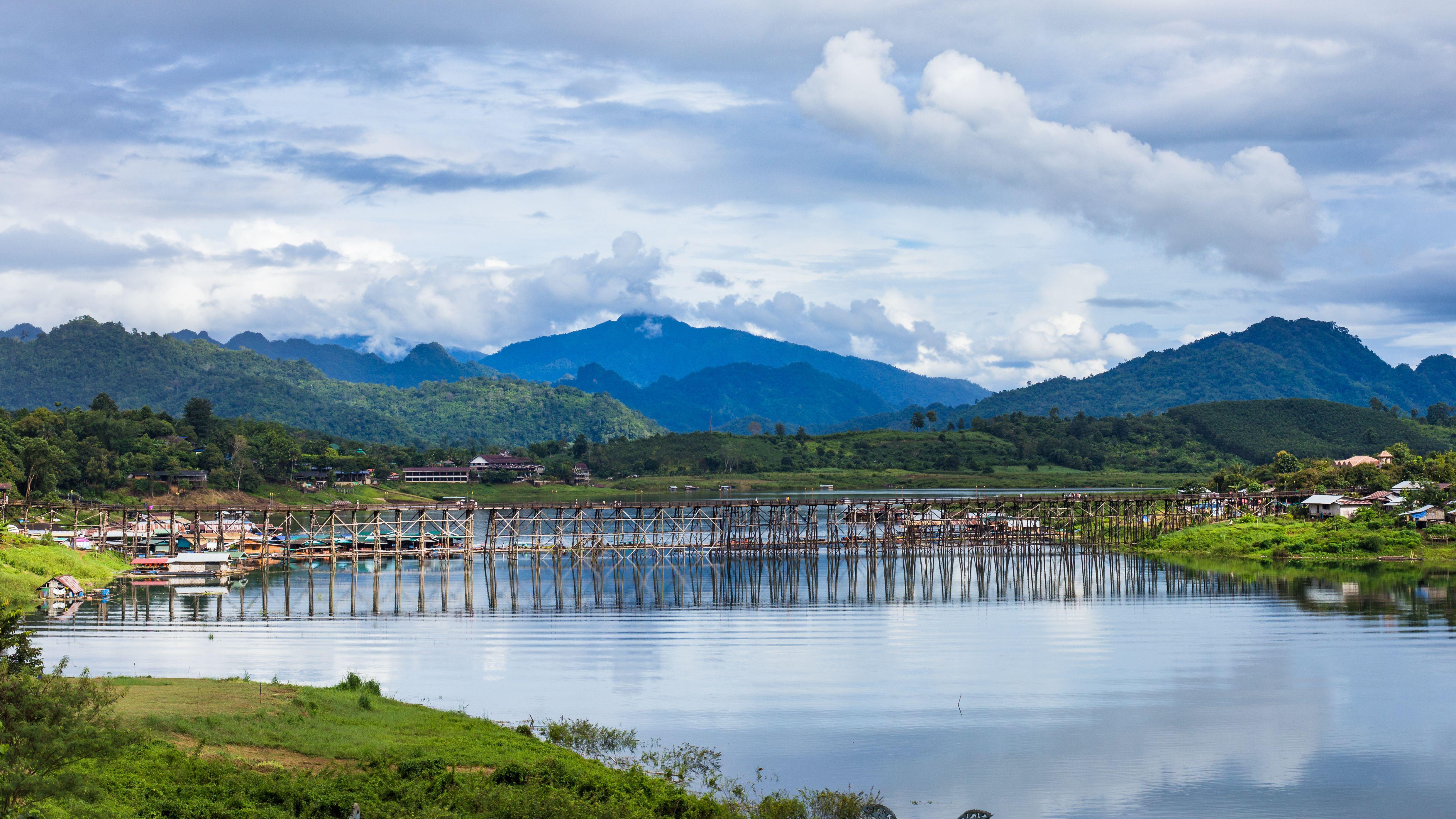 Puente en Kanchanaburi, Tailandia