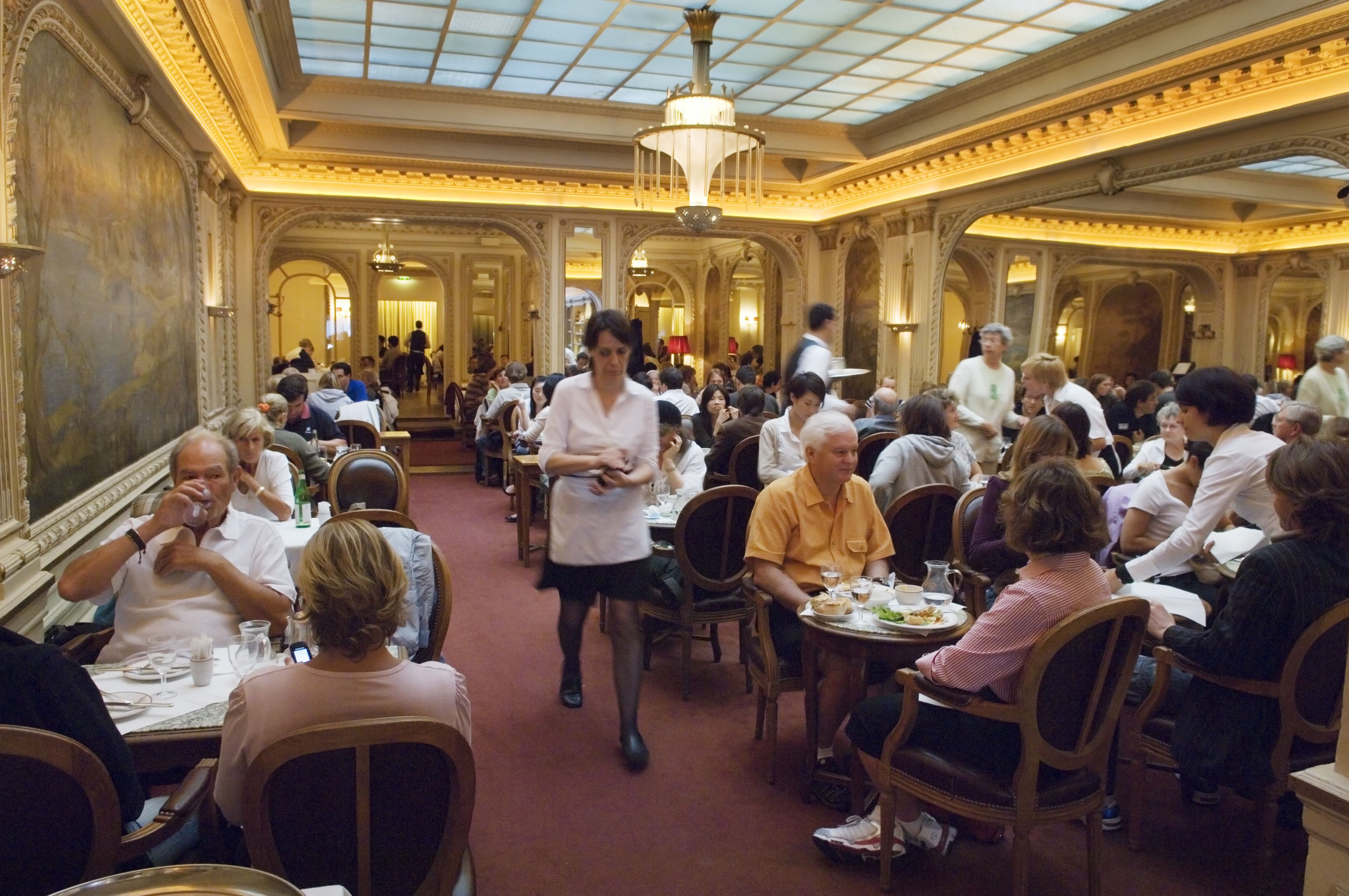 7 Best Places for Afternoon Tea in Paris