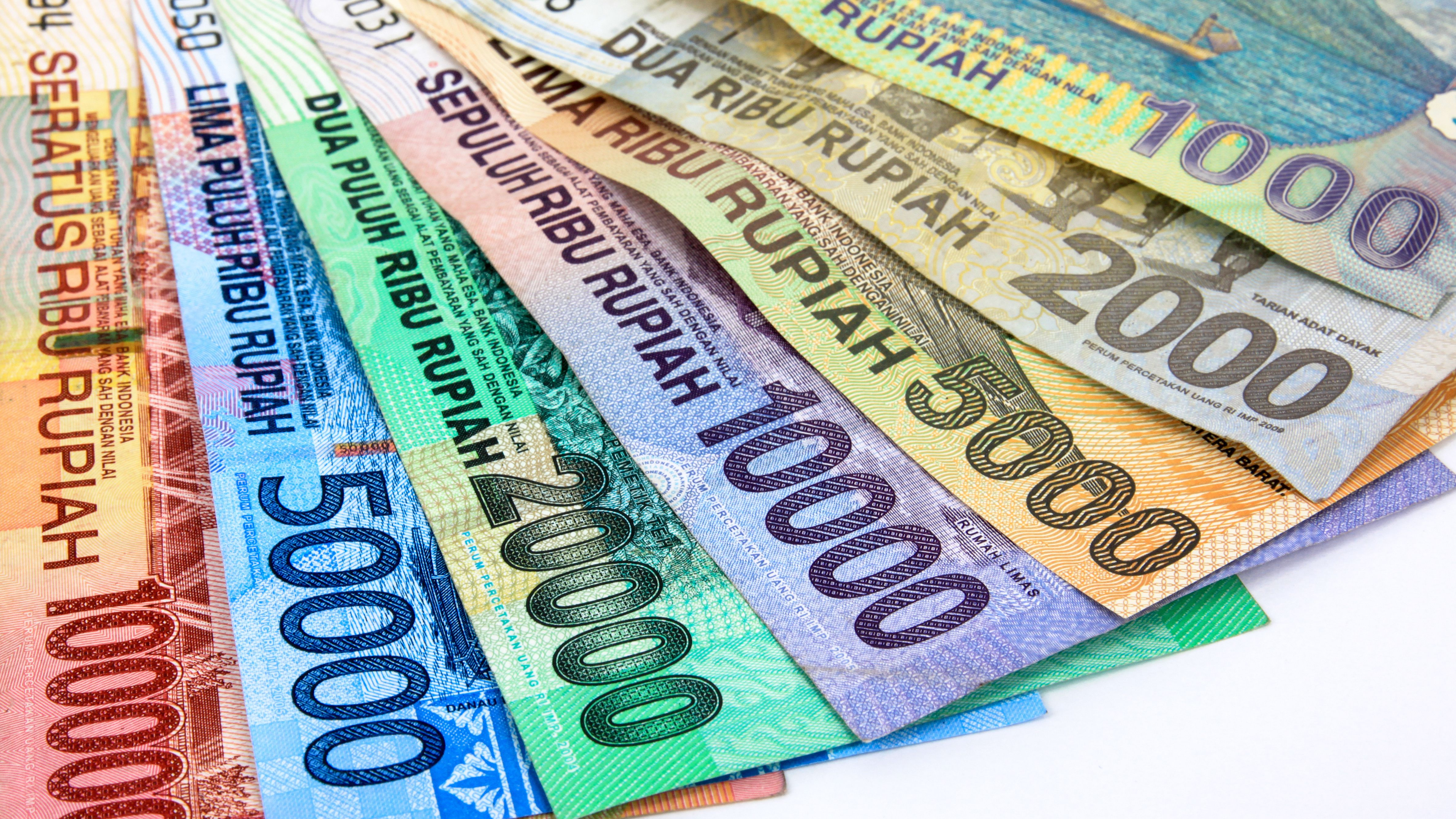 Learn These 1 Million Indonesian Rupees In Euro {Swypeout}