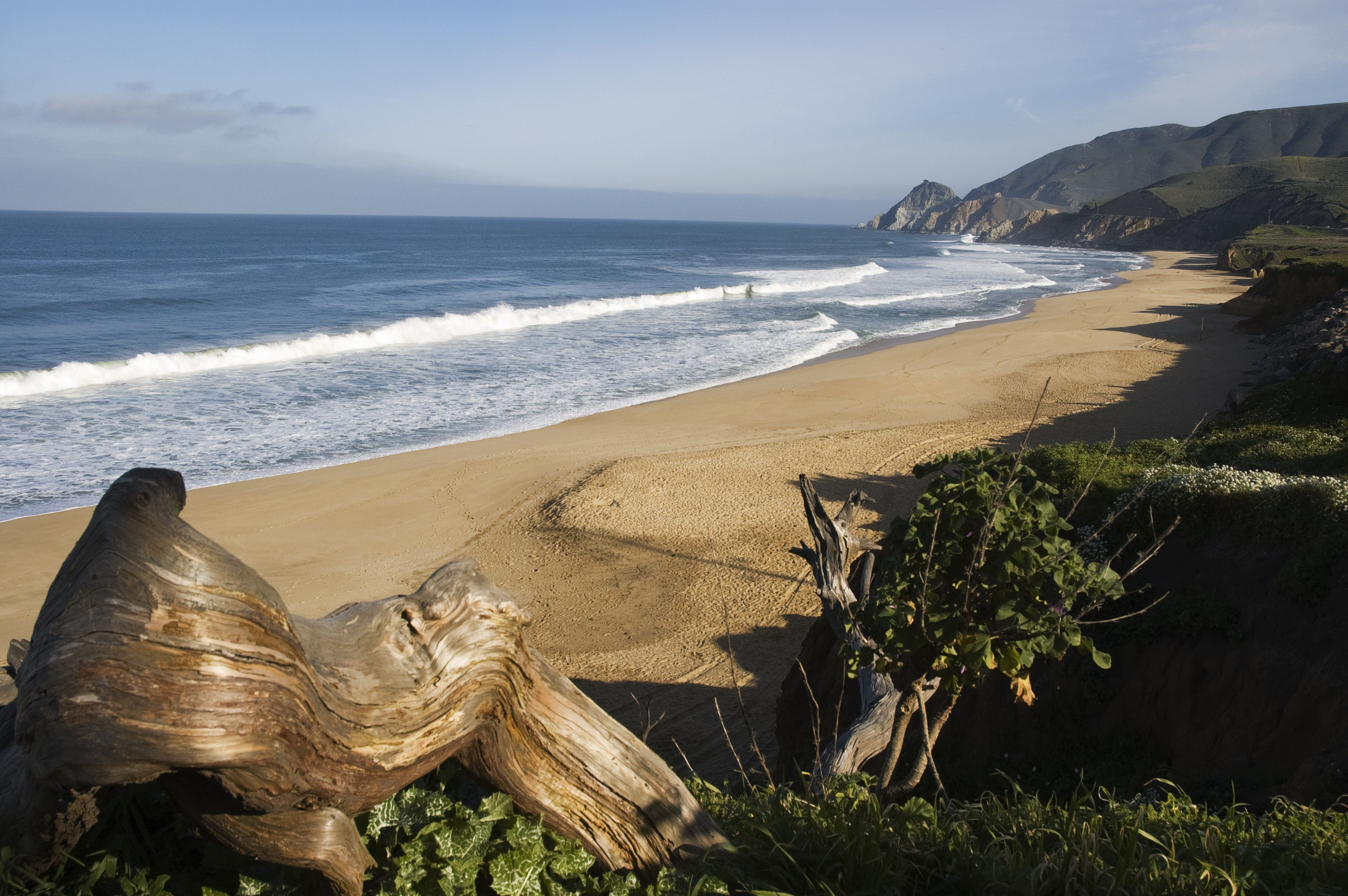 Montara State Beach surfing