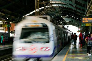 Train speeding into the station in Delhi