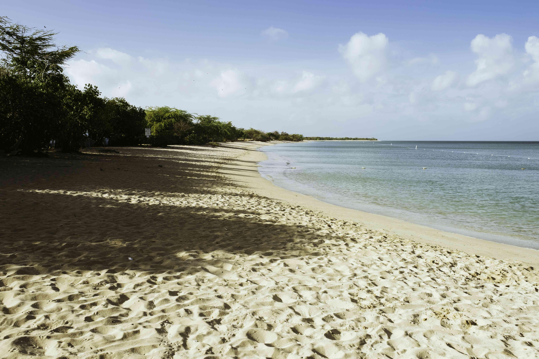 Empty beach at Playa Combate