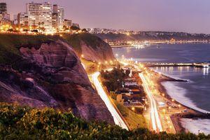 Peru, Lima, Miraflores, Cliffs of Miraflores at sunset