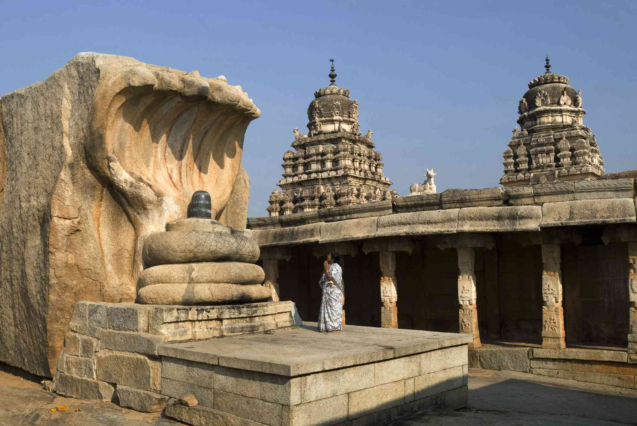 Monolithic Nagalinga eighteen feet tall in courtyard of Virabhadra temple at Lepakshi, Andhra Pradesh