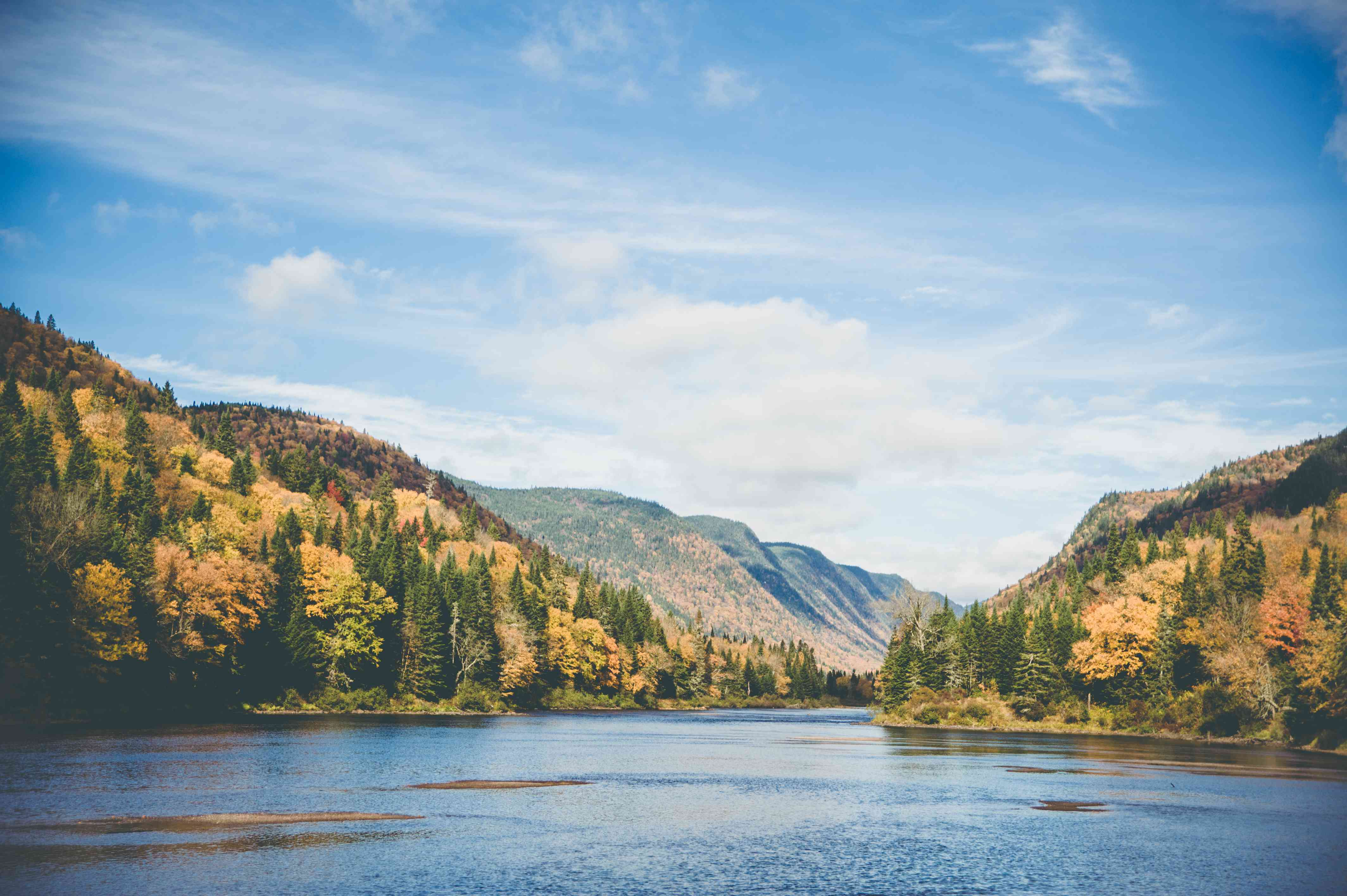 Jacques-Cartier National Park - Shores of the Lake