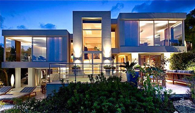 Modern mental villa on the French Riviera