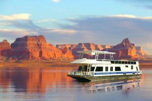Houseboating on Lake Mead, Nevada