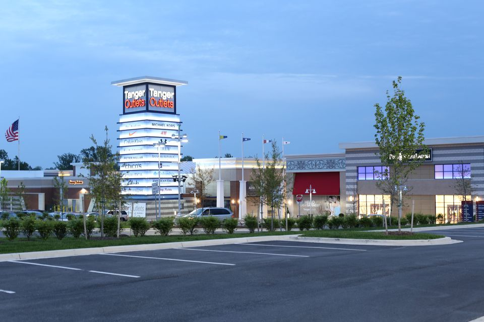 7dc3aff4 Tanger Outlets at National Harbor: Outlet Shopping Mall