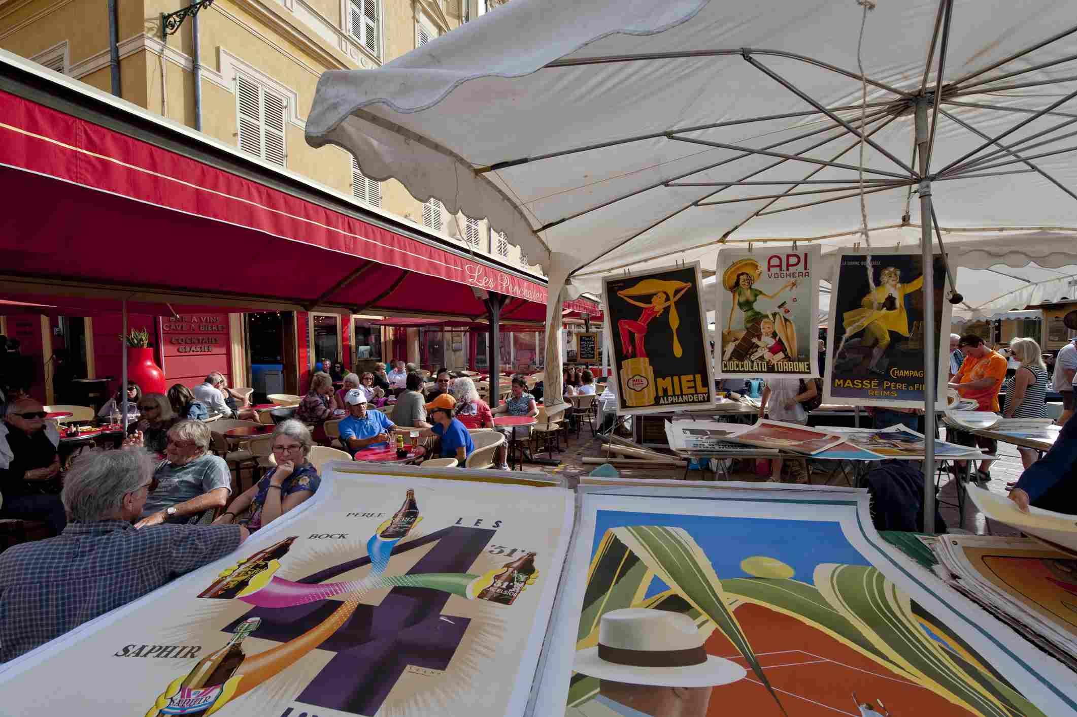 Flea Market in Nice old town