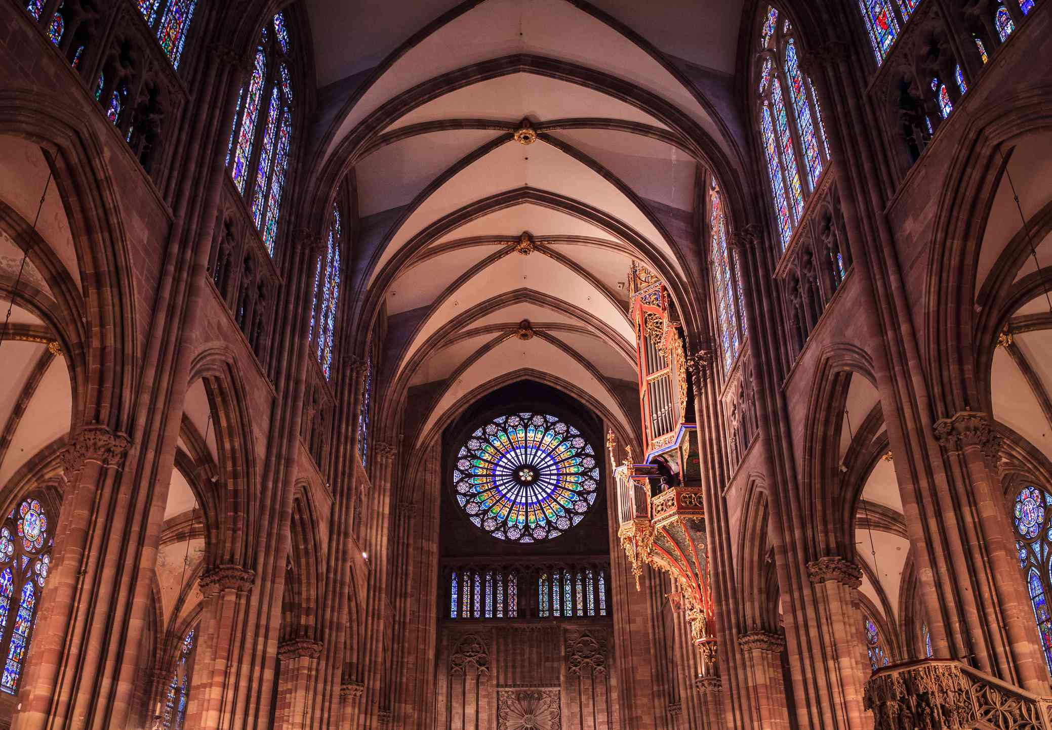 The great organ and Rose window of Cathédrale Notre Dame de Strasbourg / Strasbourg Cathedral