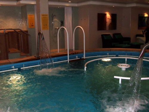 One of the treatment pools at the Norwegian Pearl South Pacific Spa and Beauty Salon