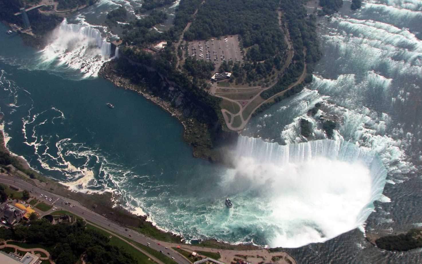 Niagara Falls Airplane Tours