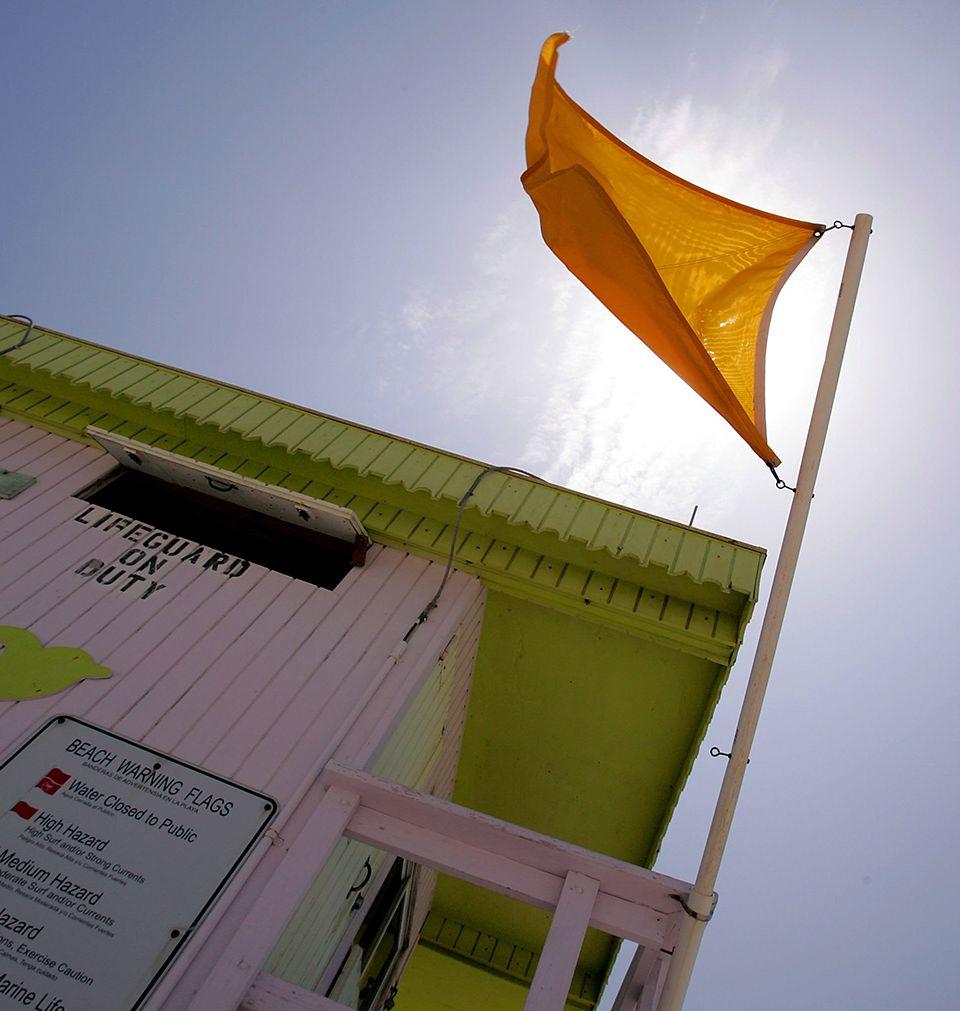 Beach Flag Warning in Florida