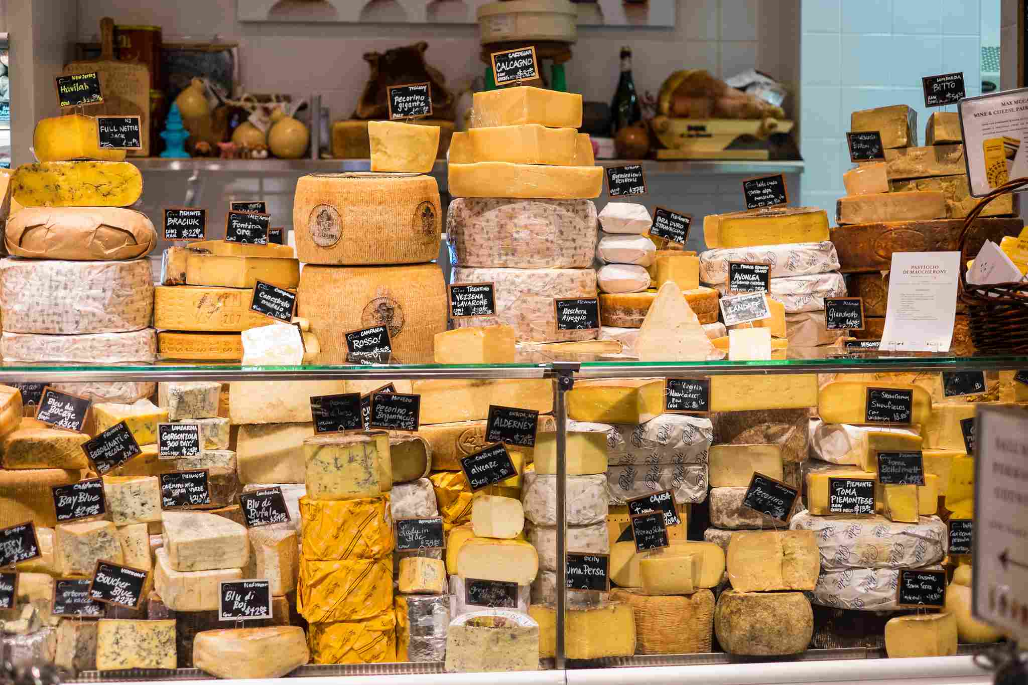 Exhibición de queso en Eataly