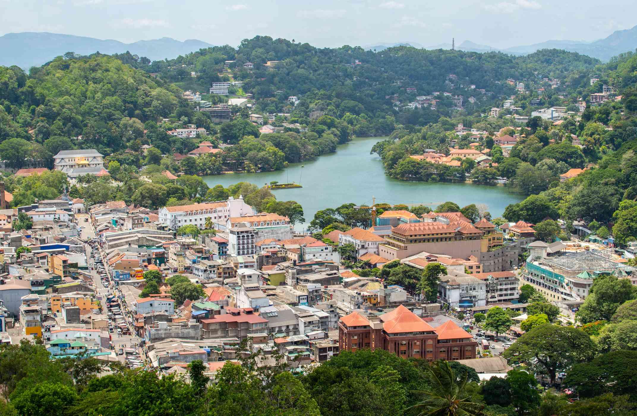 Scenery view of Kandy lake the beautiful stunning place in the heart of Kandy city, Sri Lanka.