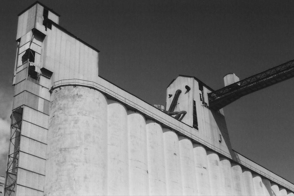 Buffalo grain silos