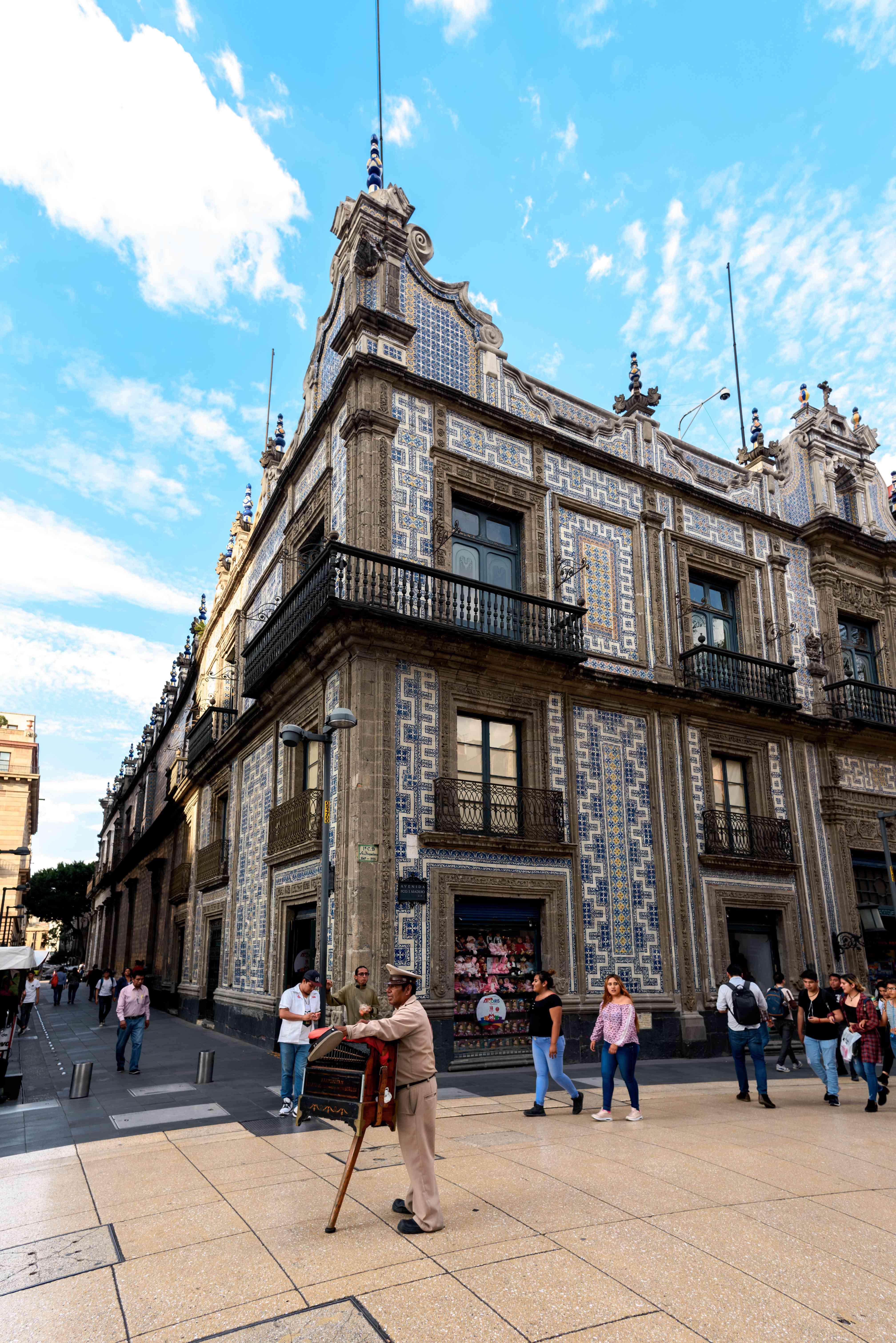 The blue tile exterior of Sanborns de los Azulejos