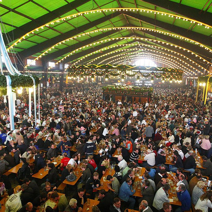 How to Reserve a Table at Oktoberfest
