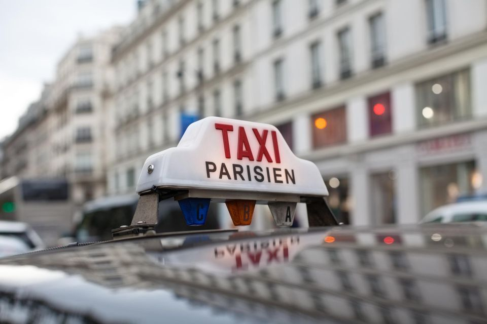 Taxi sign in Paris