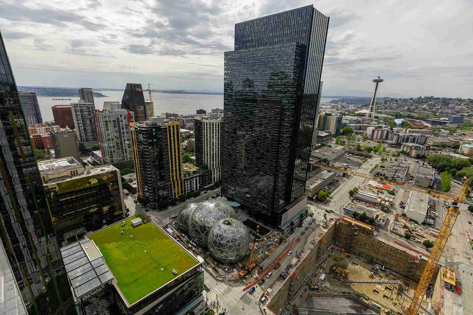 Seattle vs  Portland - Which Northwest City is Better and Why?