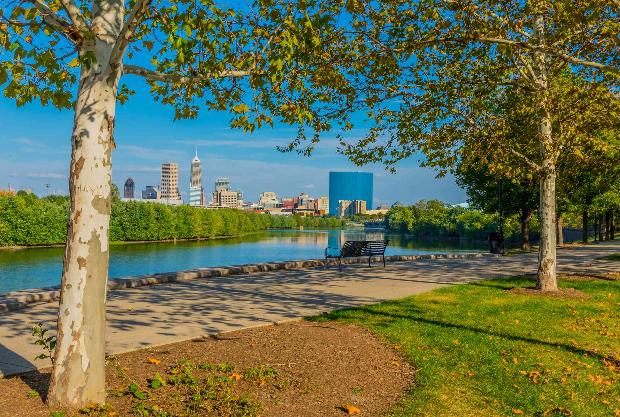 The White River with Skyscrapers of Indianapolis skyline, Indiana