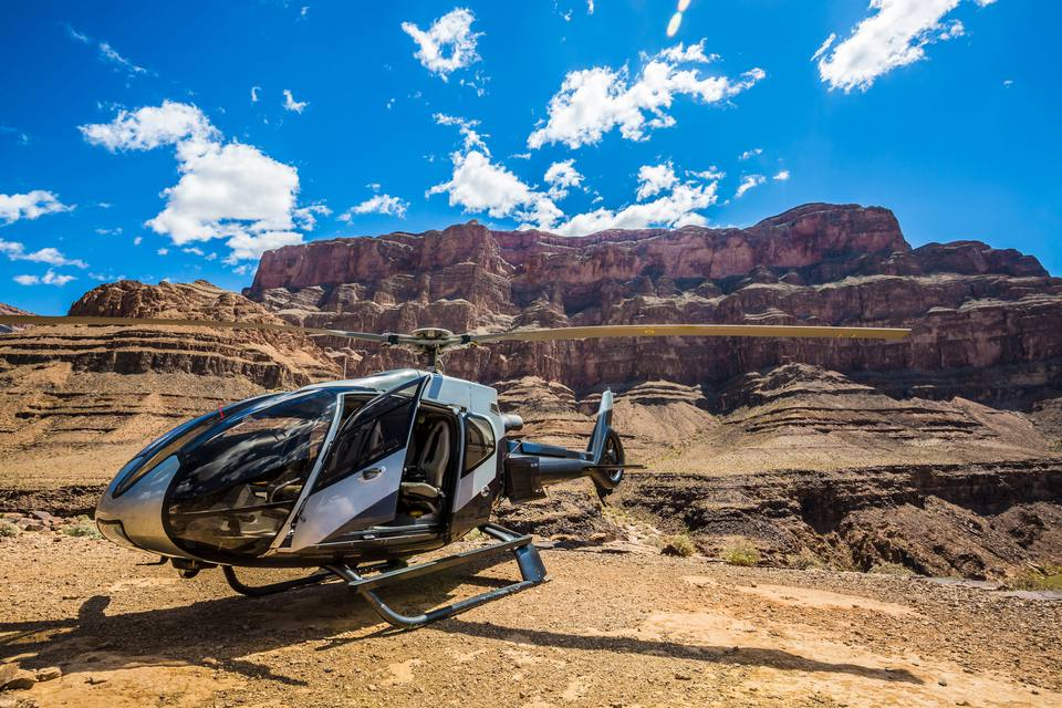 21dce2f20cad Las Vegas to the Grand Canyon in One Day