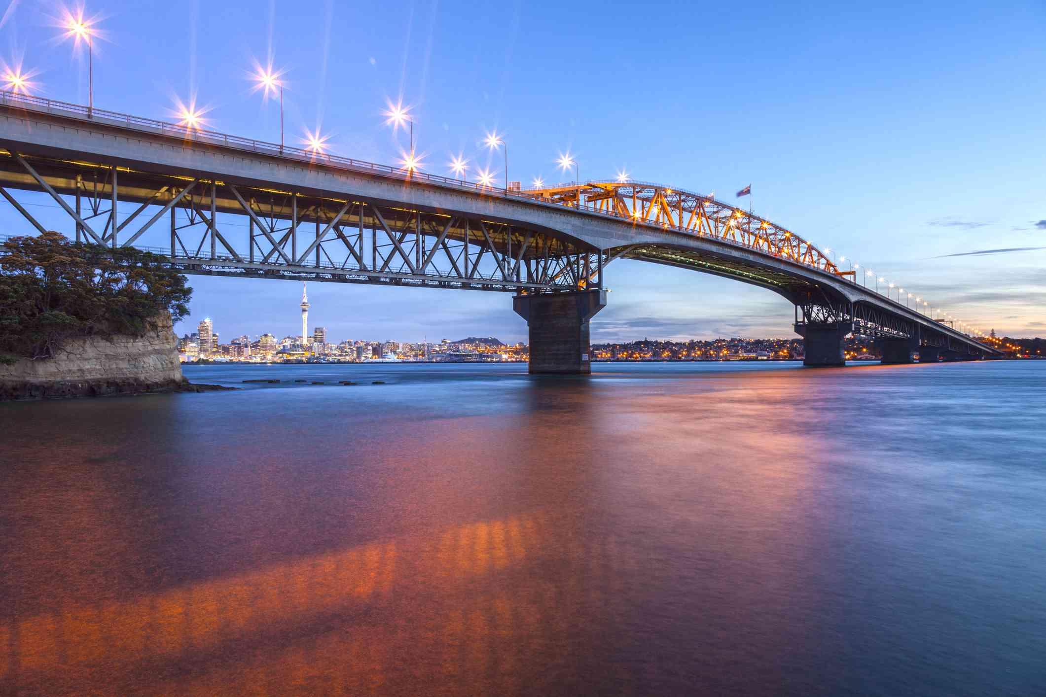 Auckland Harbour Bridge, Evening