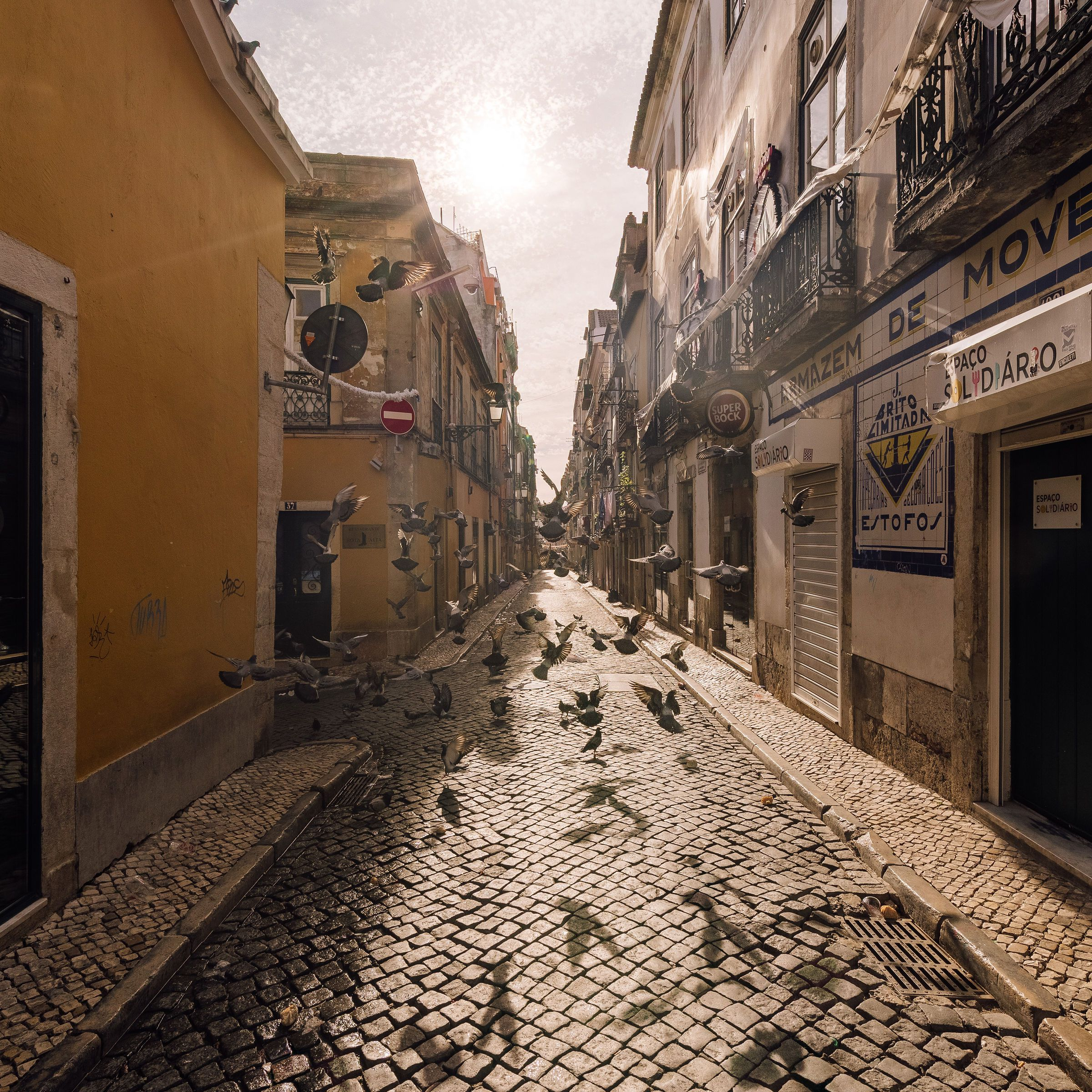 A cobblestone street in Barrio Alto