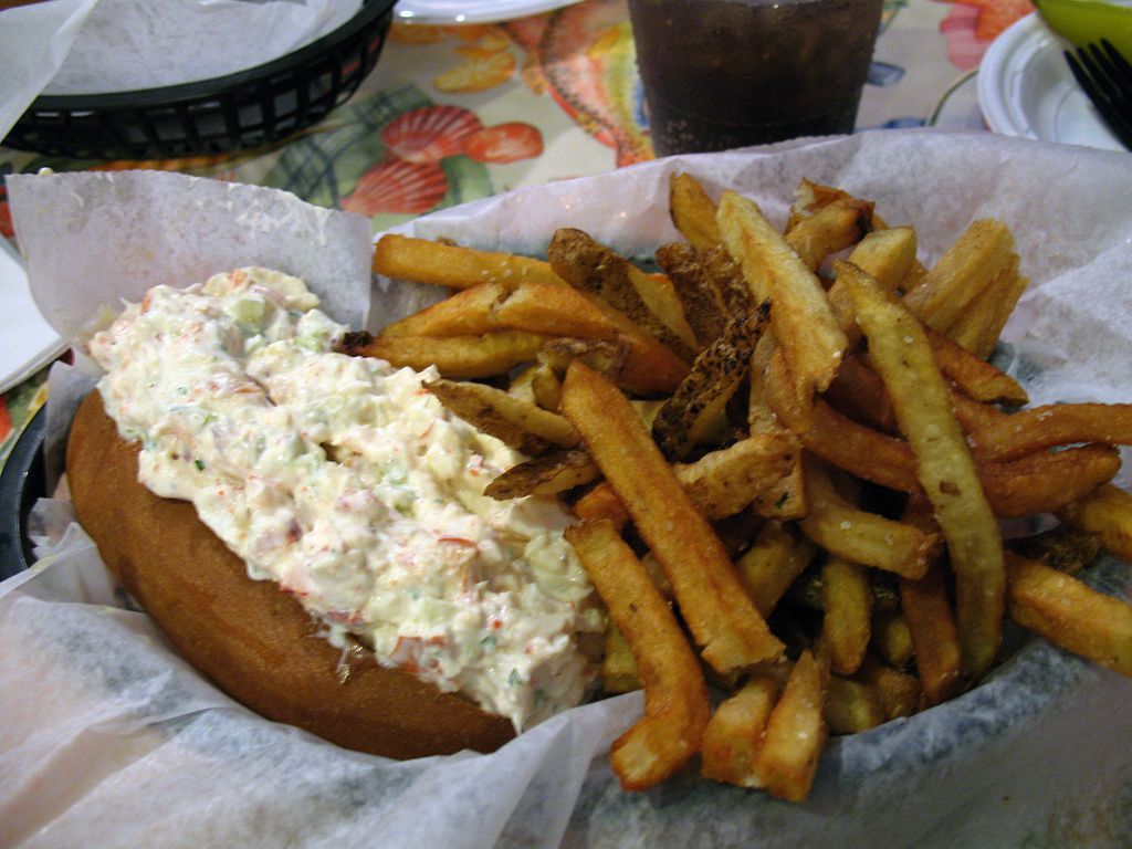 Atlantic Seafood Lobster Roll