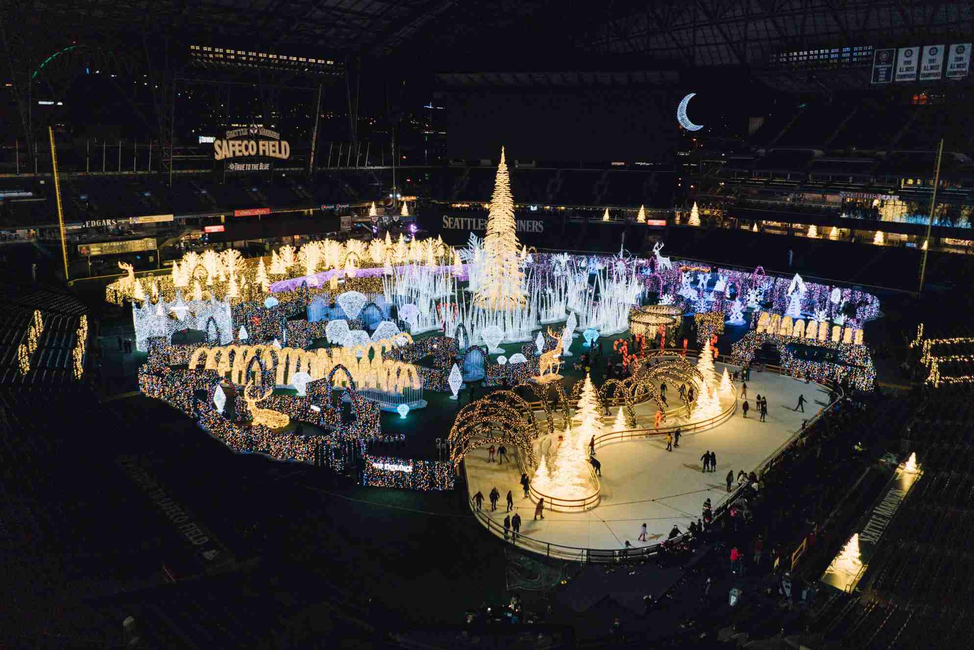Enchant Christmas Seattle.Christmas Events And Attractions In Seattle
