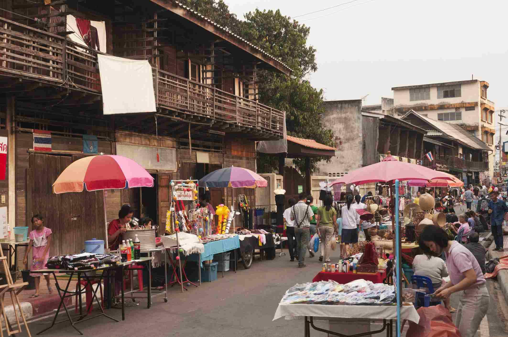 Fin de semana caminando mercado callejero, Talat Kao