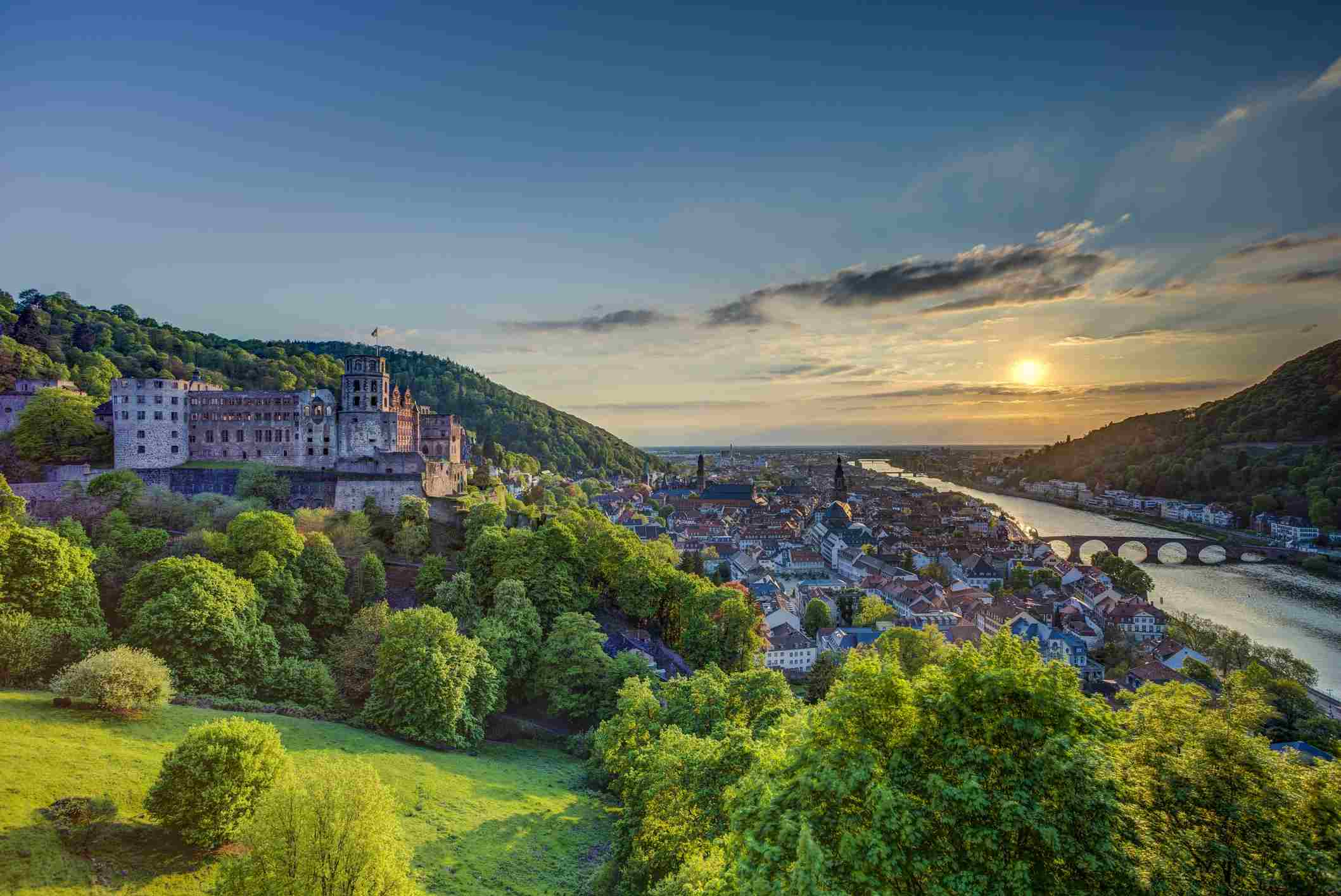 Germany, Heidelberg, Heidelberg Castle and Neckar River