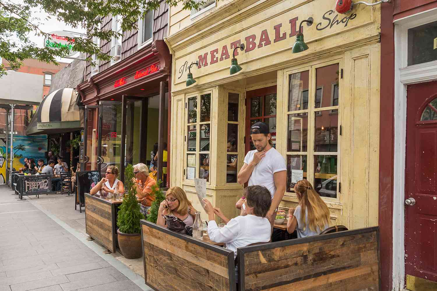 Eat In A Williamsburg Restaurant