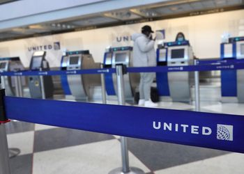 United Airlines And American Airlines Warns Of Furloughs As Travel Remains Devastated From Pandemic