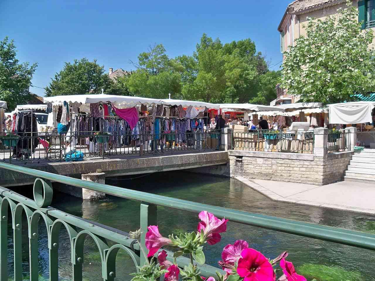 weekly market in L'Isle sur la Sorgue, Vaucluse