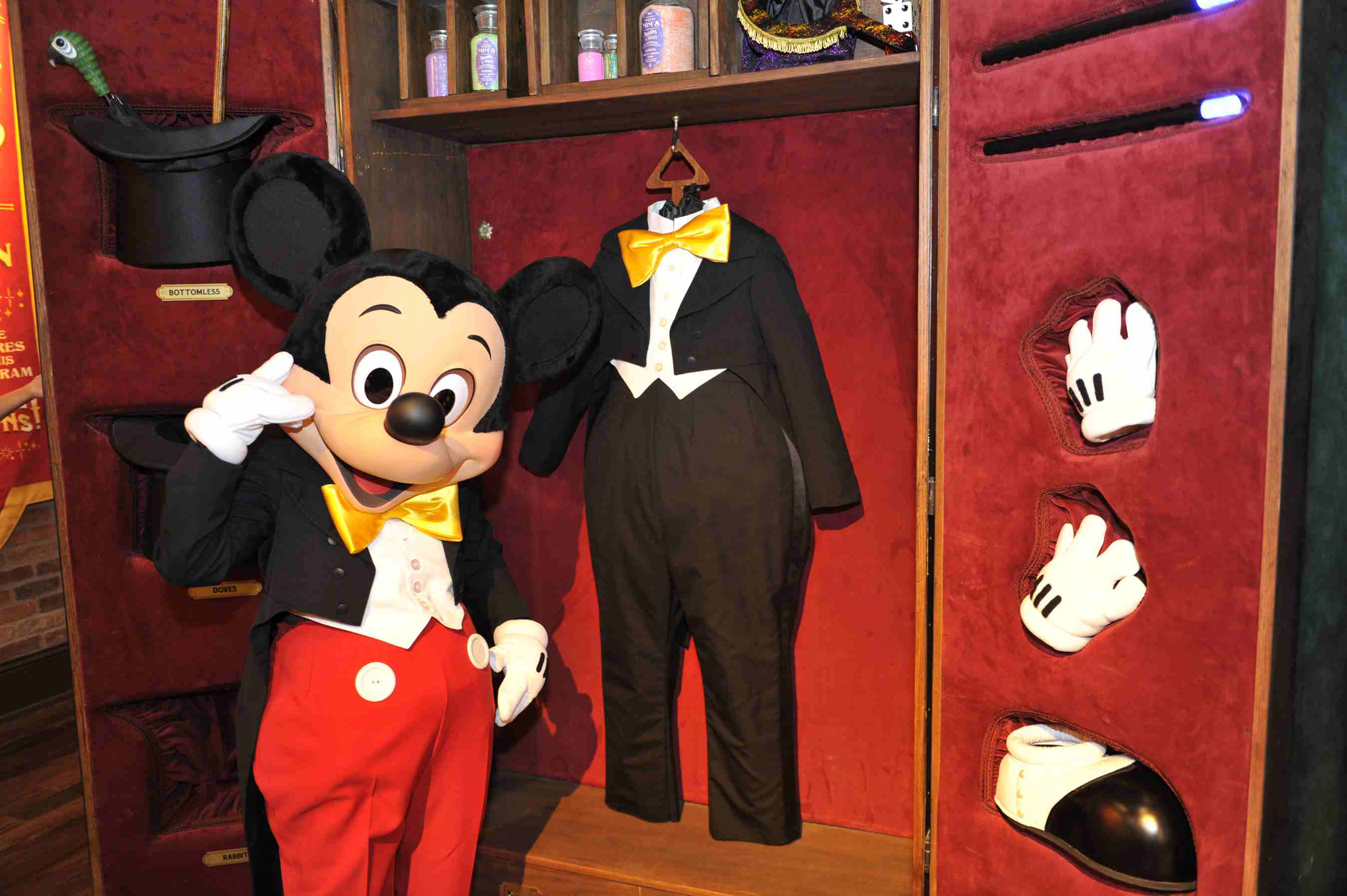 themed bedrooms for adults disney mickey mouse bedroom.htm top 5 hot spots for mickey mouse fans at disney world  mickey mouse fans at disney world