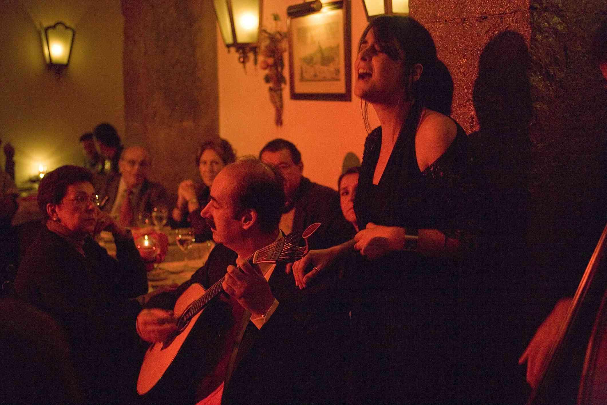 Cantante de fado, Lisboa