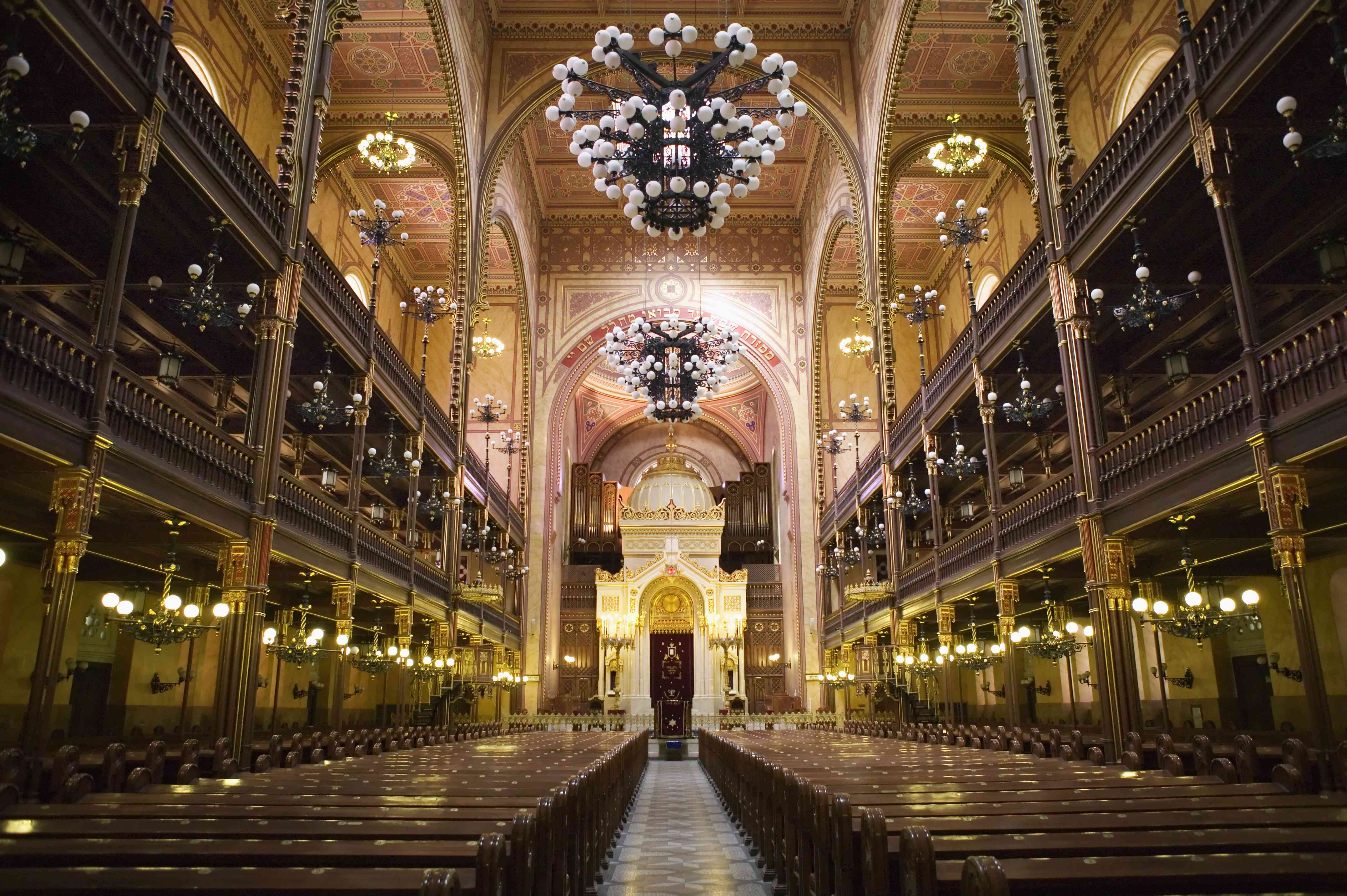 Hungary, Budapest, The Great Synagogue, interior
