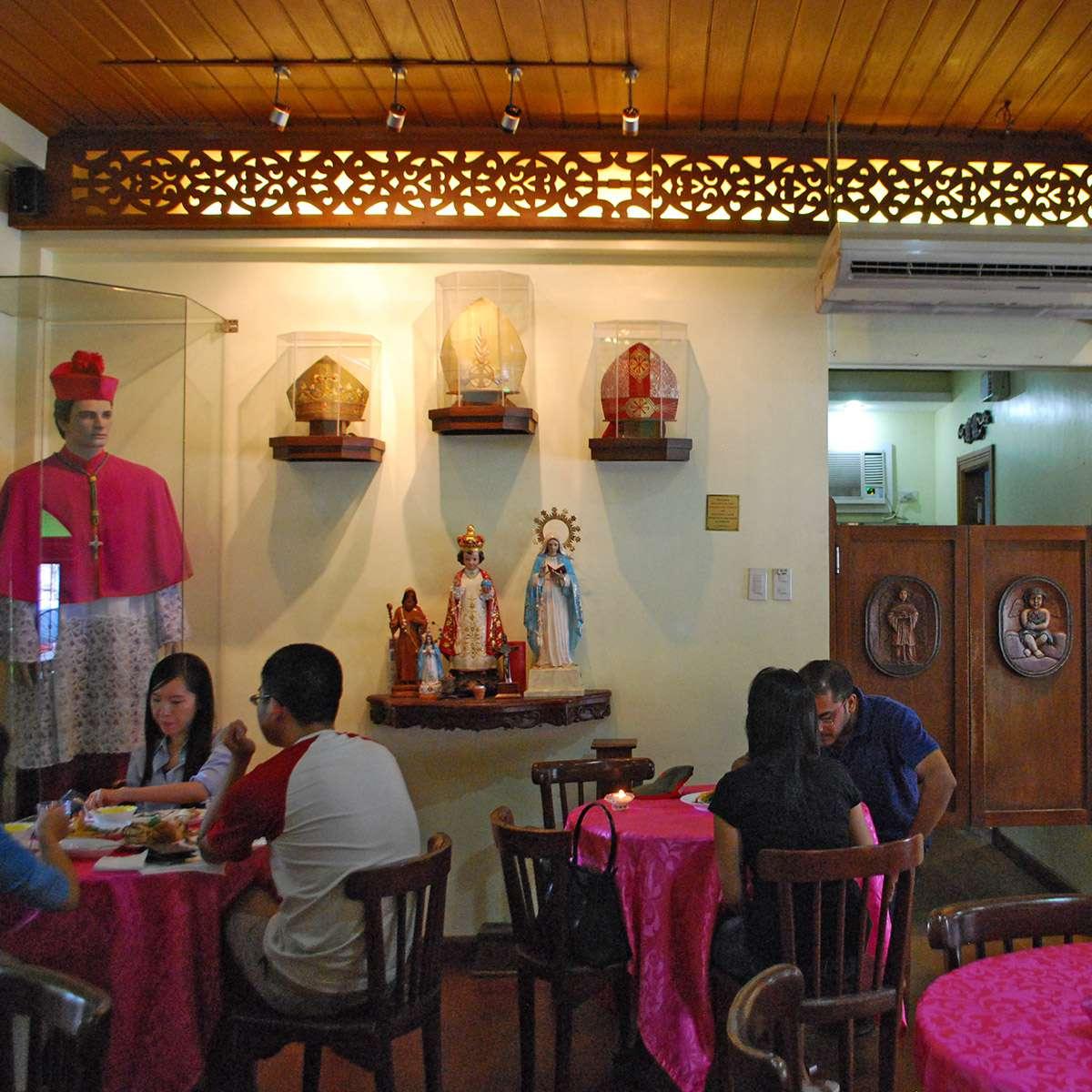 Interior of Ristorante delle Mitre, Intramuros