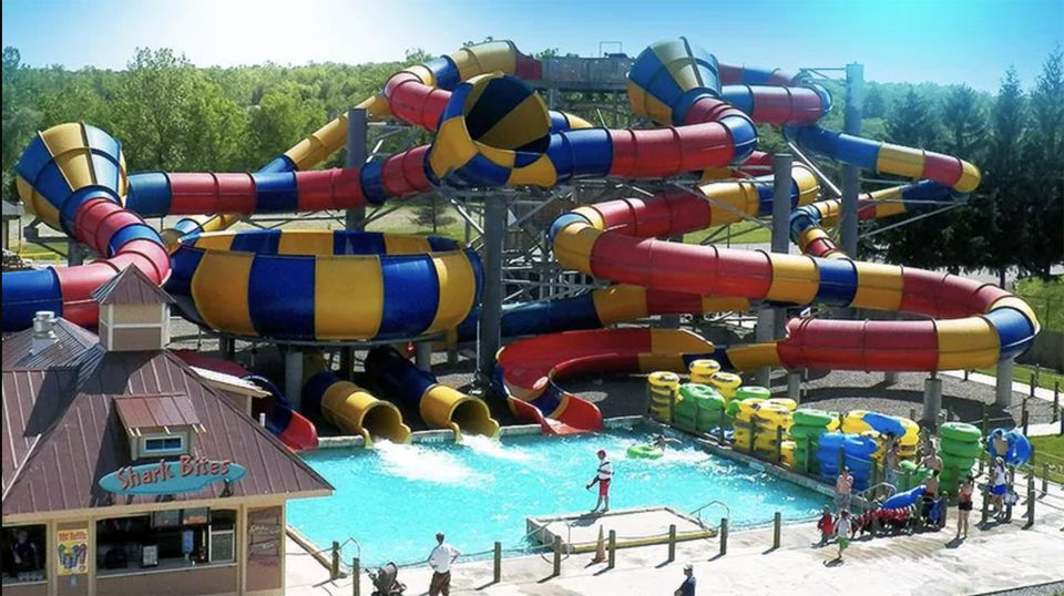 Six Flags Darien Lake SplashTown water park