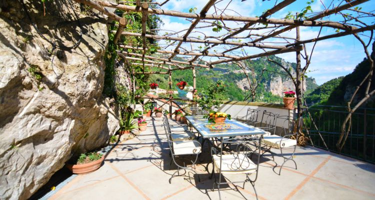 Al fresco dining at Agricola Fore Porta