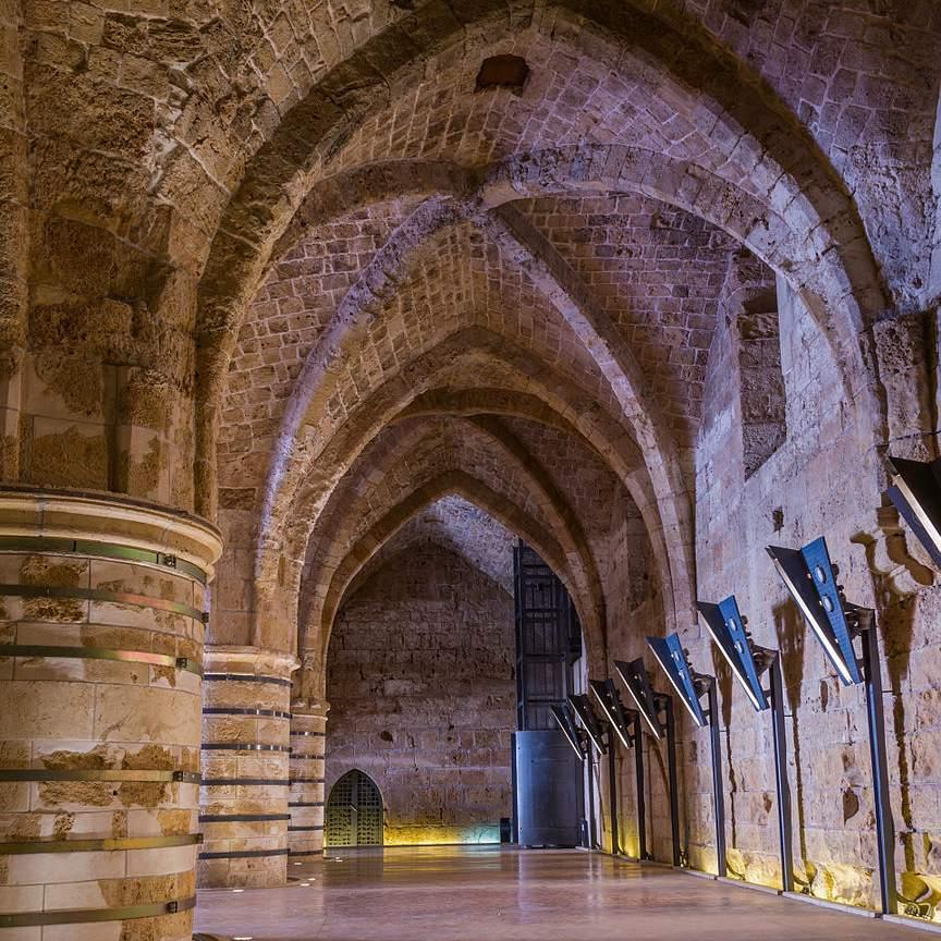 Akko-Acre-Israel-Crusaders-Hall-Wikimedia.jpg