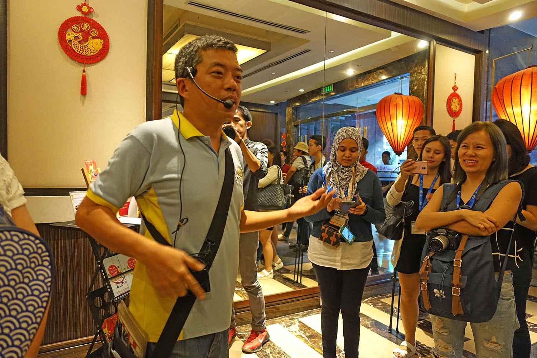Ivan Man Dy, Chinatown tour guide
