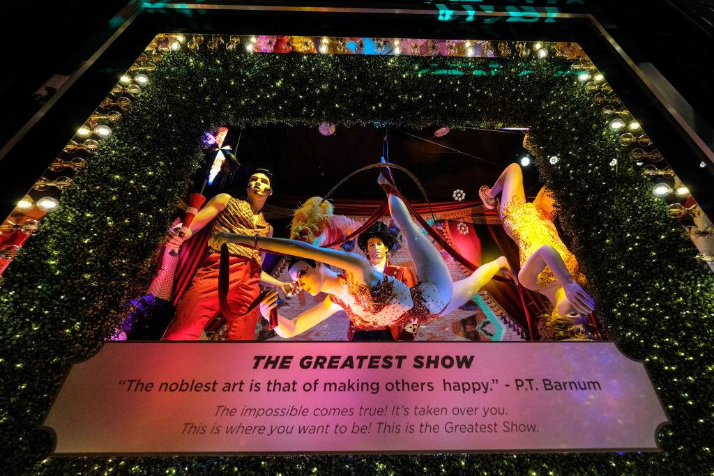 Christmas Windows Nyc 2019 Visit the Holiday Window Displays in New York City