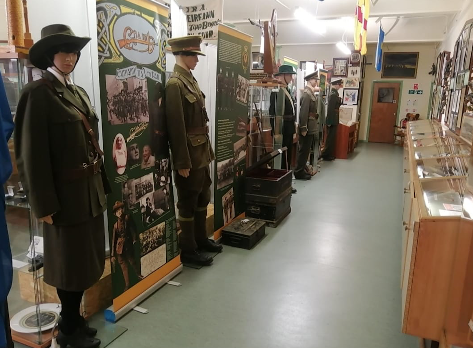 mannequins in military uniform on display at the Irish Republican History Museum